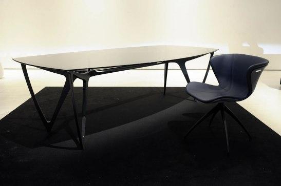 Mercedes-benz-style-20120413-140425_Stuhl_Tisch