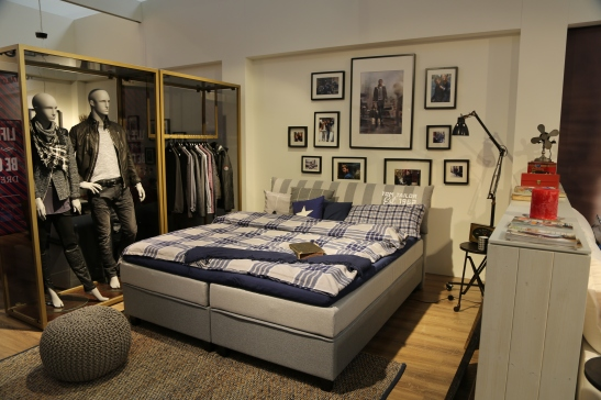 tom tailor home gets a stylish update with new elements. Black Bedroom Furniture Sets. Home Design Ideas